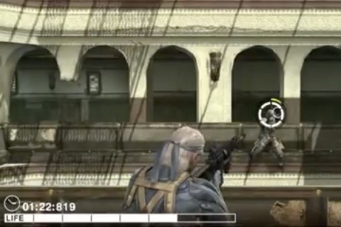 Metal Gear Solid Touch - Old Snake aiming at enemy