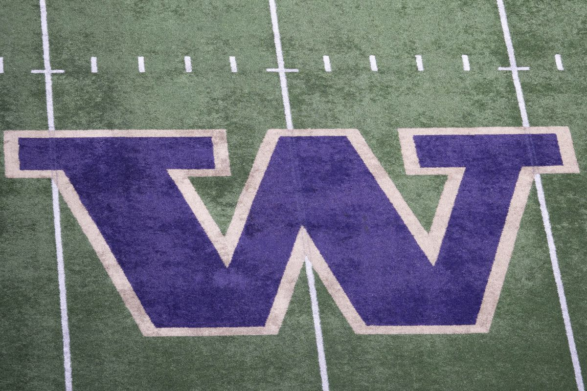 Recruiting Roundup: Several Husky Commits Start Their Senior Seasons