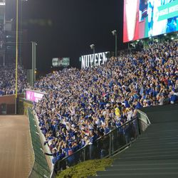 Crowd reacts to Miguel Montero's grand slam