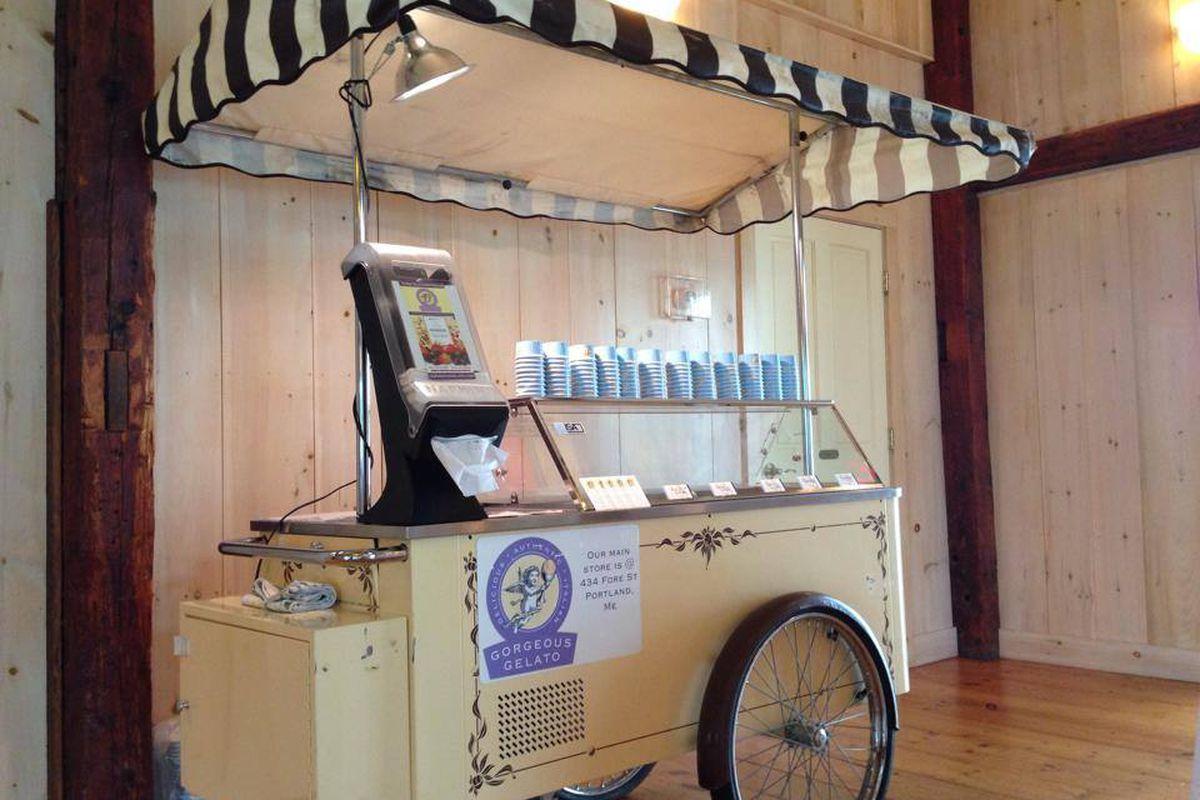 The Gorgeous Gelato cart.