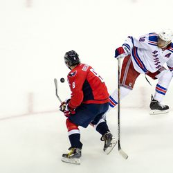 Ovechkin Around Staal