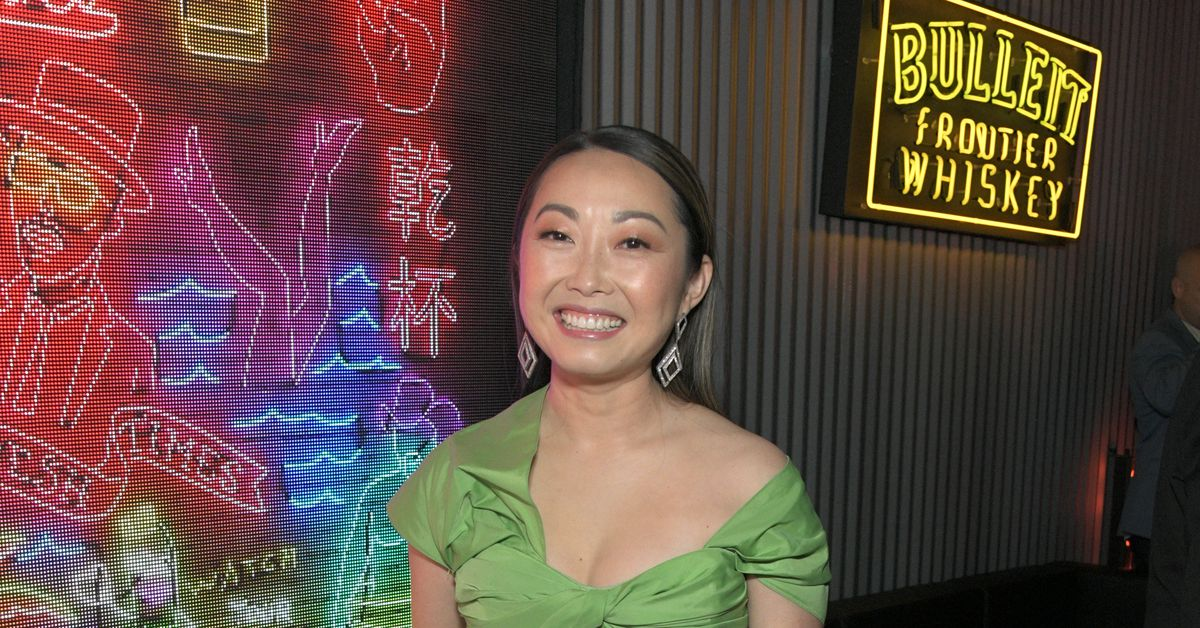 'Farewell' director Lulu Wang bartends at LA restaurant while answering questions for 5 hours