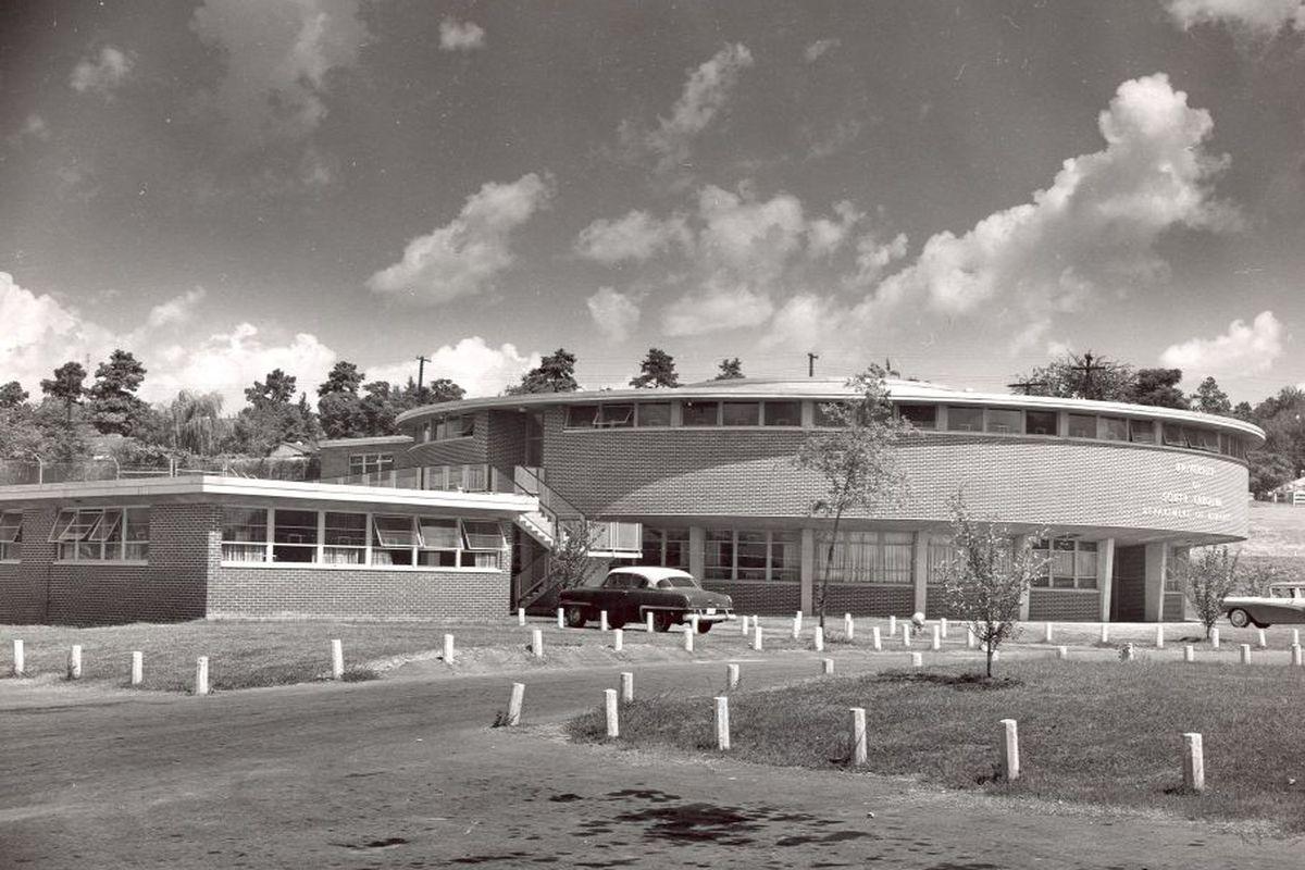 <em>The Roundhouse, c. 1960.</em>