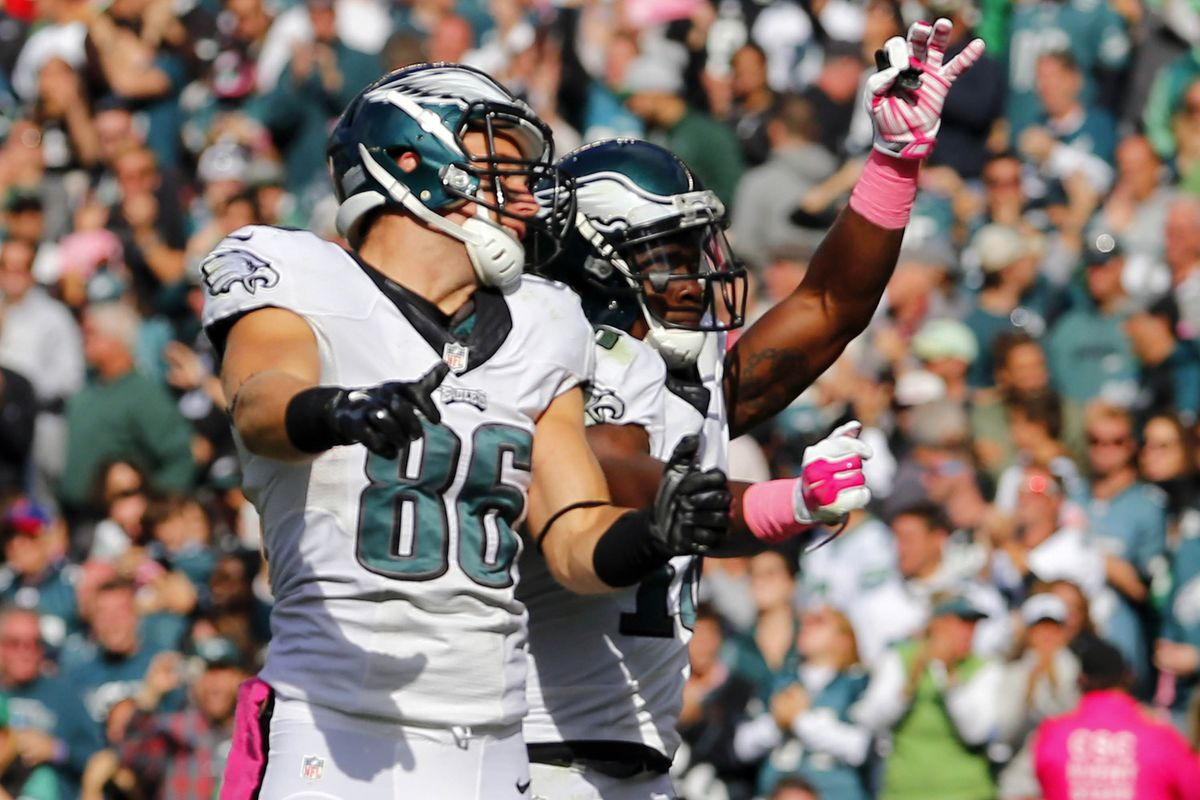 Zach Ertz and Jeremy Maclin show some pink for the Eagles