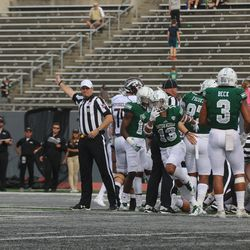 Eastern Michigan recovers a fumble.<br>