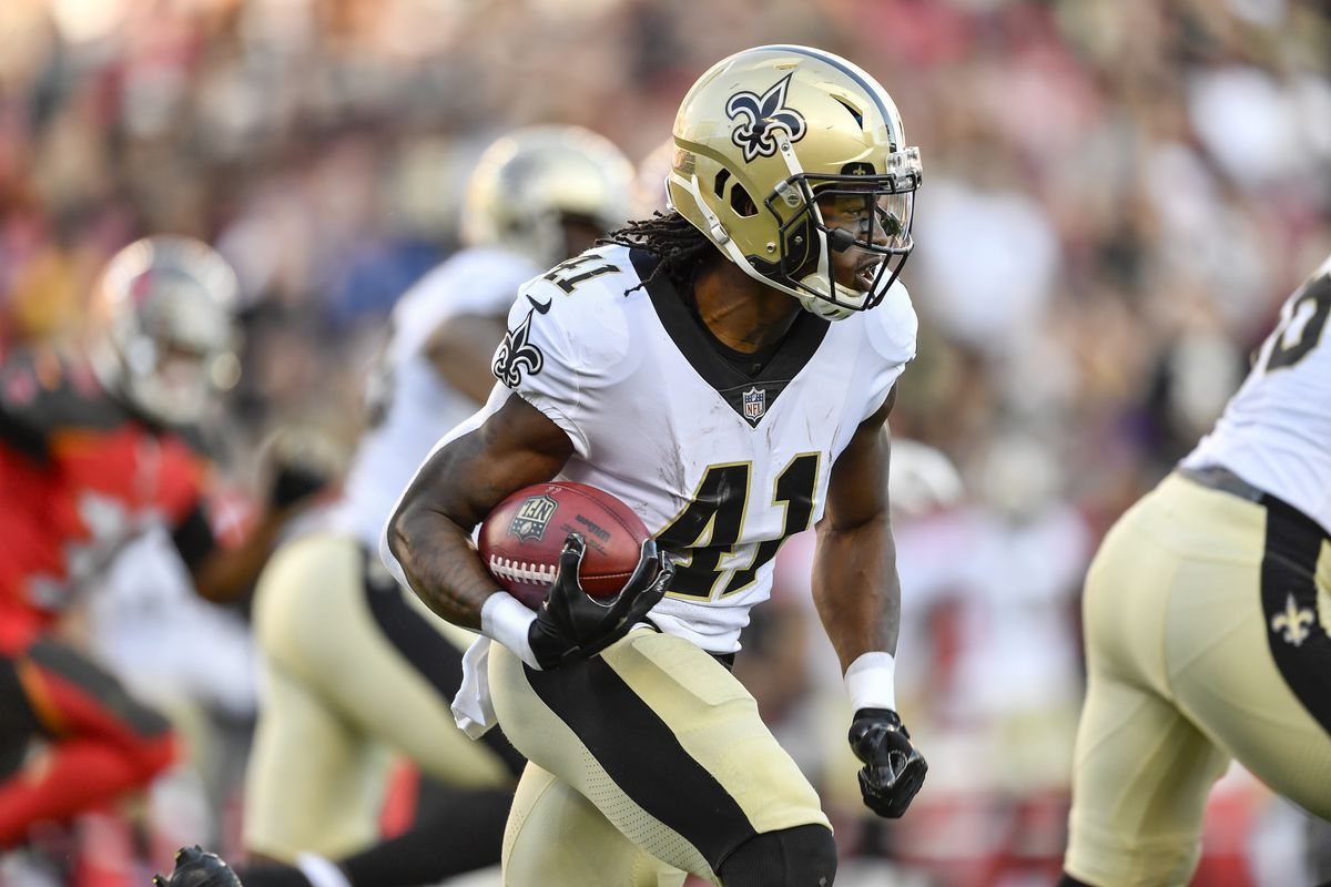 TAMPA, FL:  New Orleans Saints running back Alvin Kamara (41) returns the opening kickoff 106 yards to score a touchdown against the Tampa Bay Buccaneers special teams coverage unit at Raymond James Stadium.