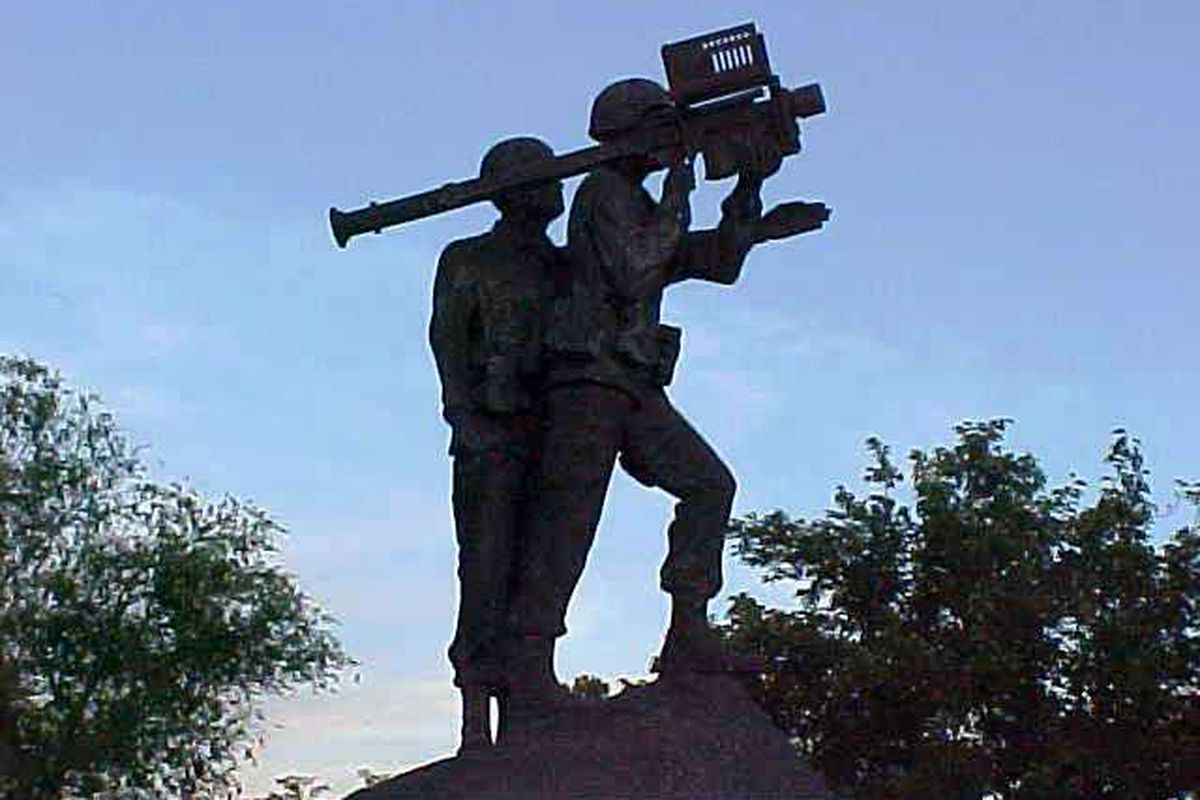 The Rush is wishing a Happy 4th of July to Miner Fans everywhere.  This statue stands at Ft. Bliss.