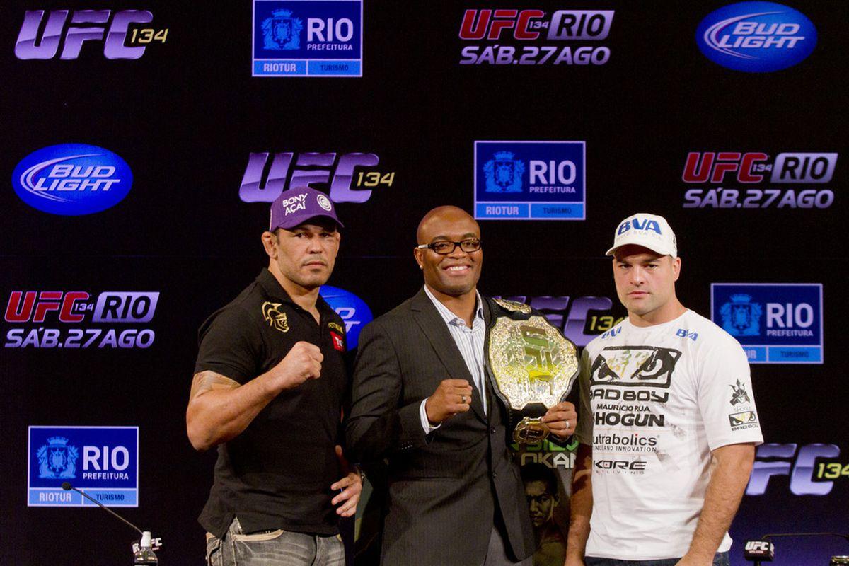 """via <a href=""""http://video.ufc.tv/UFC_RIO_Press/ufc_15.jpg"""">video.ufc.tv</a>"""