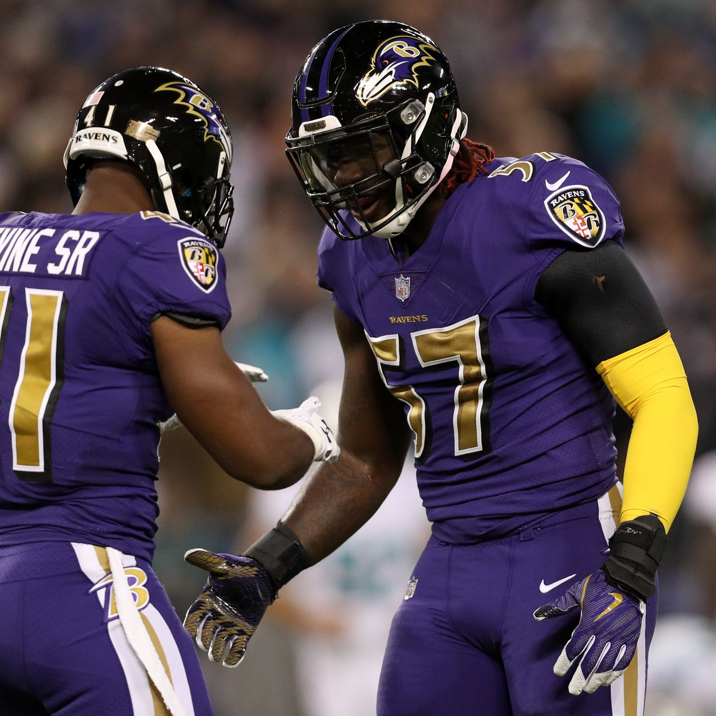 Half man, half amazing! C.J. Mosley extends the Ravens lead with a ...