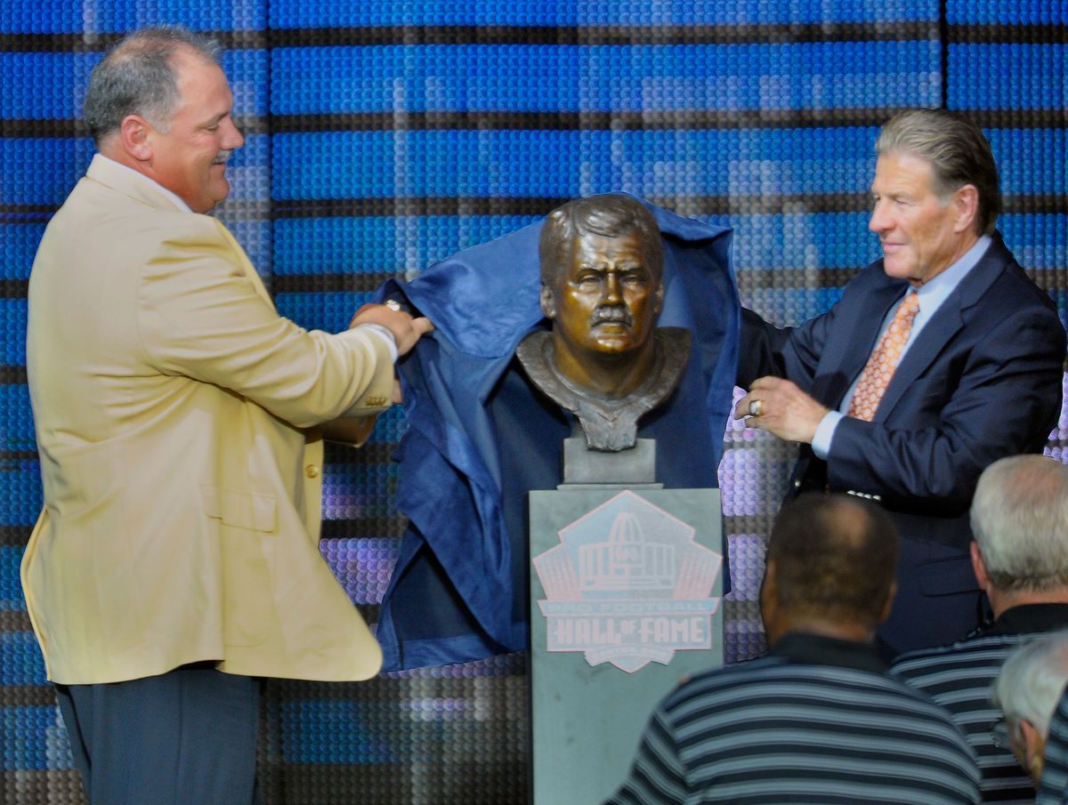 Former Washington Redskin Russ Grimm is inducted into the NFL Hall of FAme in Canton OH