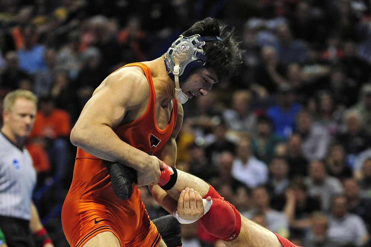 Illinois Wrestling Isaiah Martinez Named Intermat Freshman Of The Year The Champaign Room