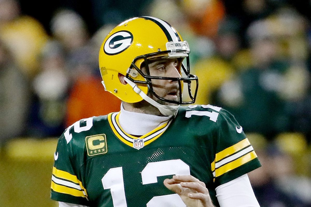 best loved 6c510 dd022 Aaron Rodgers Throws another Hail Mary! Arizona Cardinals ...