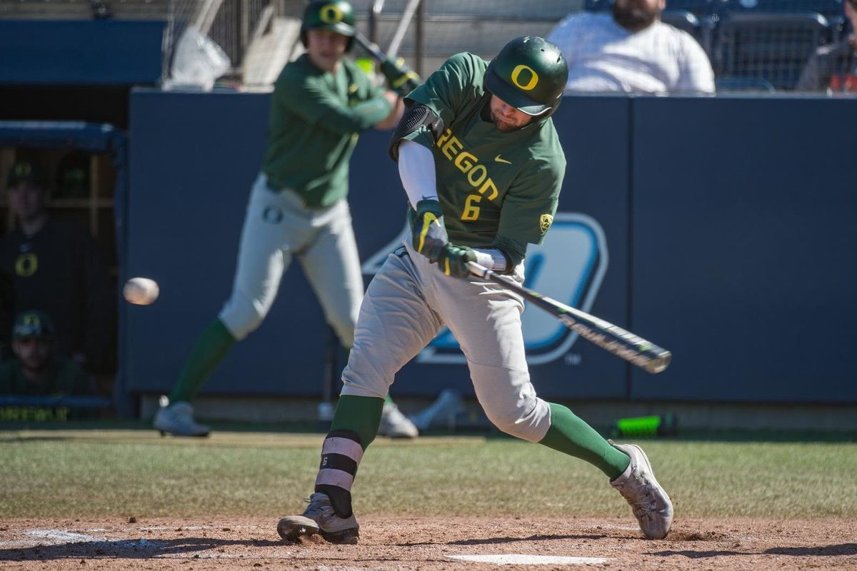 Oregon's bats continue to stay hot taking 3 of 4 on the road during Washington road trip
