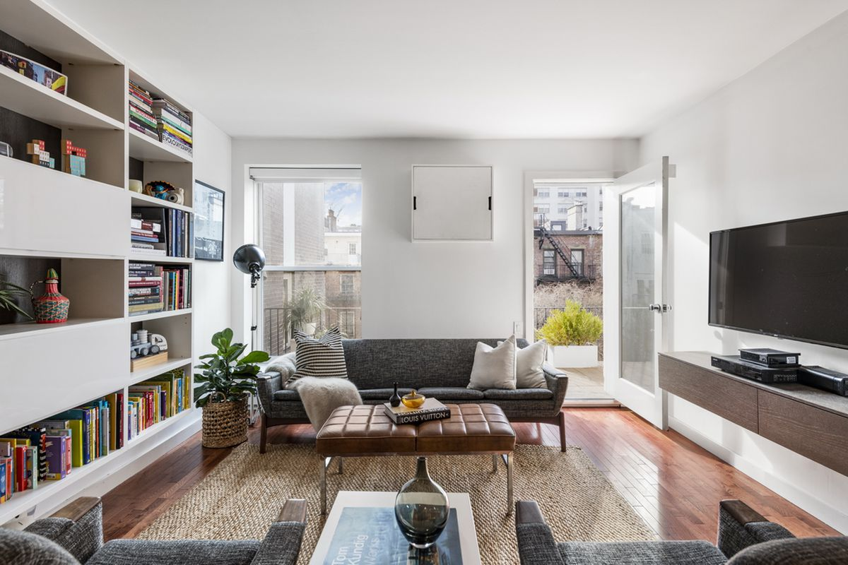 Chic Chelsea One Bedroom With Terrace Wants 850k Curbed Ny