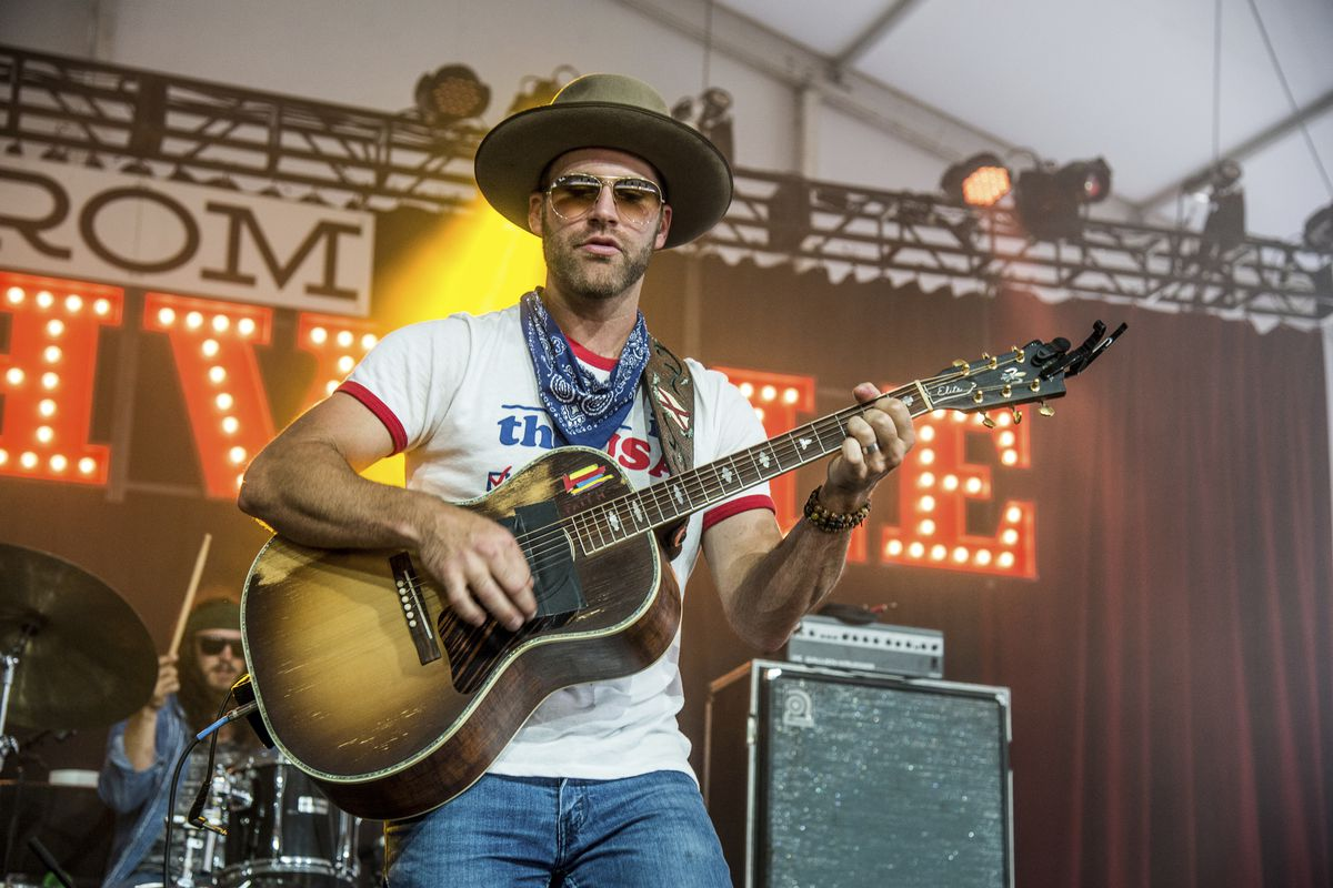 Country singer Drake White suffering from brain condition