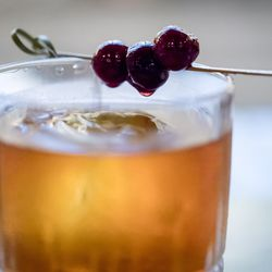 GG Manhattan: Woodford Reserve Bourbon, Carpano Antica and Angostura bitters