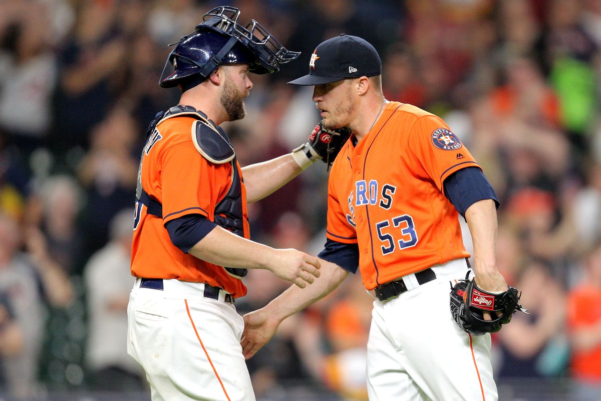 Ken Giles closes the victory in game 1 against the Cleveland Indians