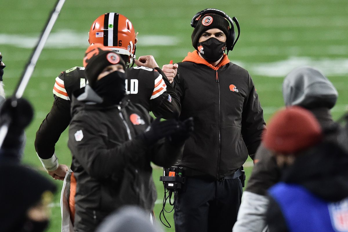 Cleveland Browns quarterback Baker Mayfield (6) celebrate with head coach Kevin Stefanski after Mayfield scored a touchdown during the second half against the Baltimore Ravens at FirstEnergy Stadium.