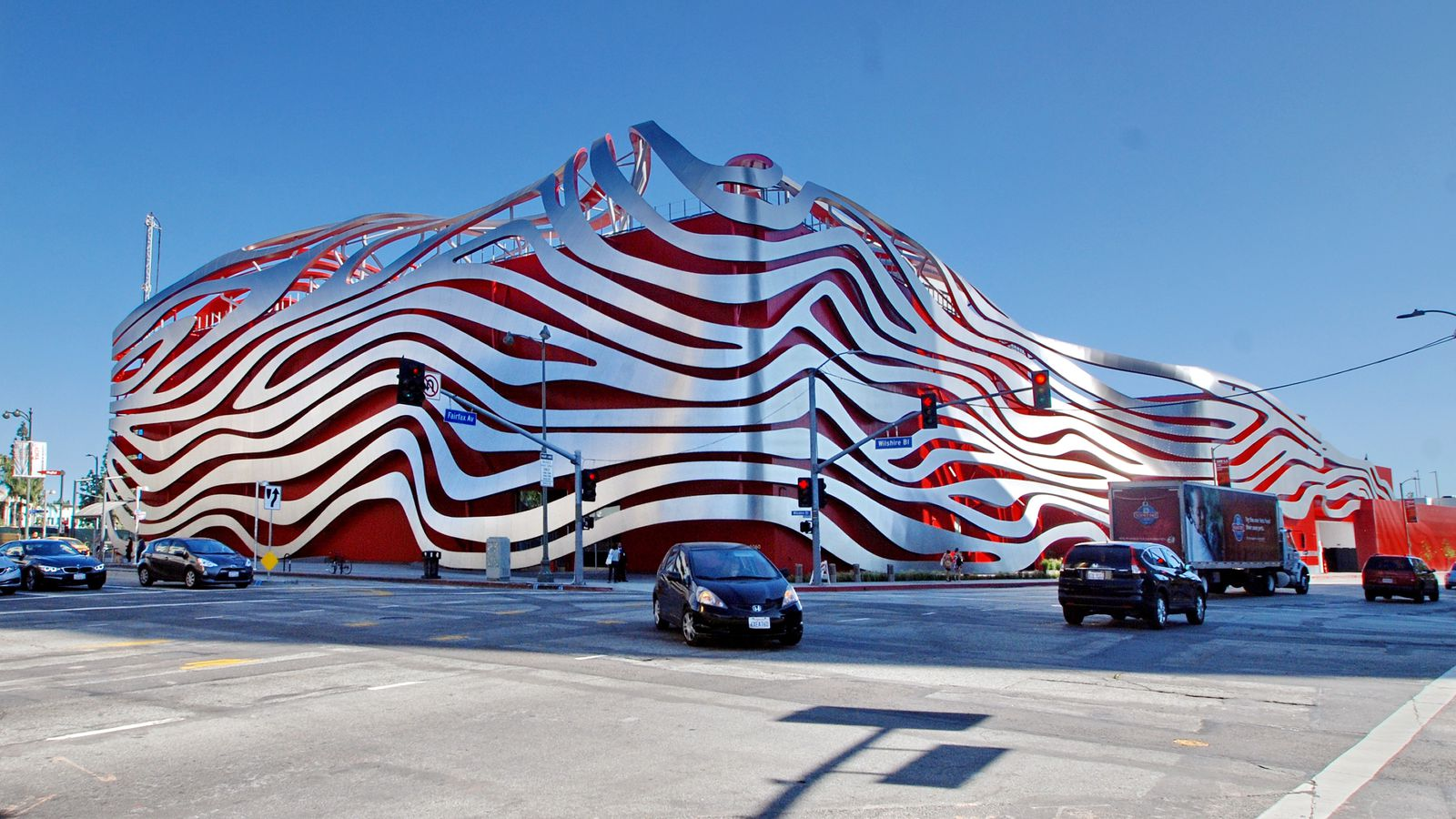 Metro Cars Detroit >> The Petersen Museum—one of LA's most loathed buildings ...