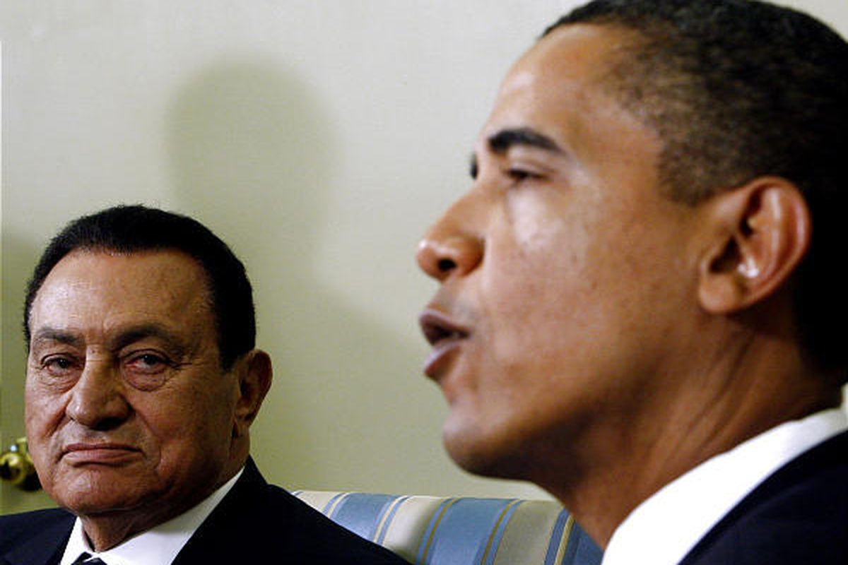 """Egyptian President Hosni Mubarak meets with President Barack Obama in the Oval Office Tuesday. Obama spoke of an """"extraordinary opportunity"""" for peace in the Mideast."""