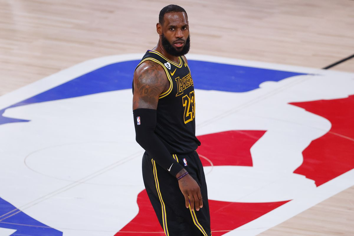 Lakers Highlights Lebron James Shooting From The Logo And More Silver Screen And Roll