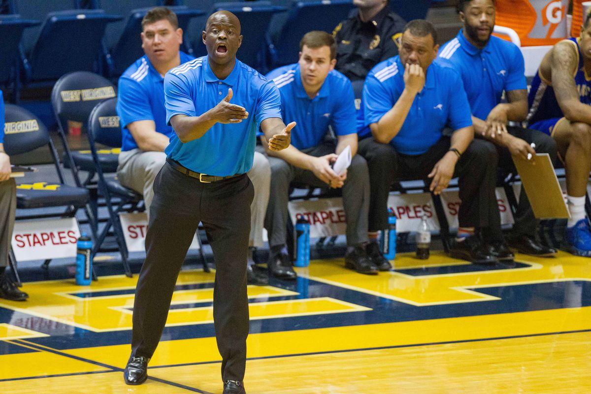 NCAA Basketball: UMKC at West Virginia