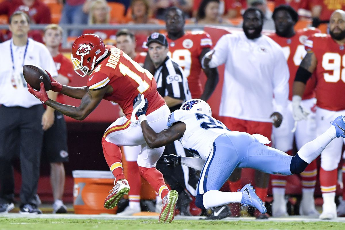 Chiefsâ Demarcus Robinson eager to team up with friend Tyreek Hill at wideout