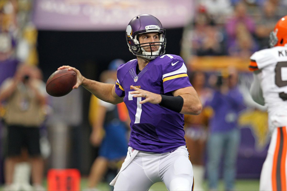 I'm using a Ponder picture because we already have about eight pictures of Josh Freeman in the header already. Variety and stuff, you know?