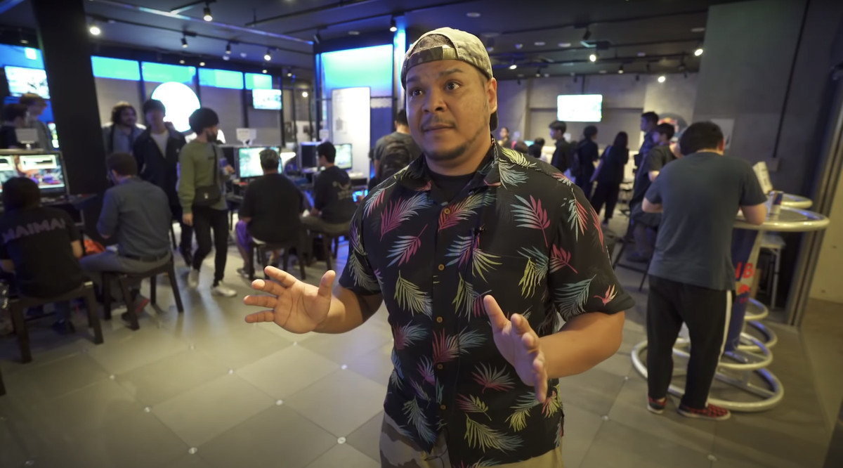 """The Hold Back to Block YouTube channel interviews Majin Obama about """"Fighting Tuesday,"""" a fighting game event that he co-organizes in Tokyo, Japan."""