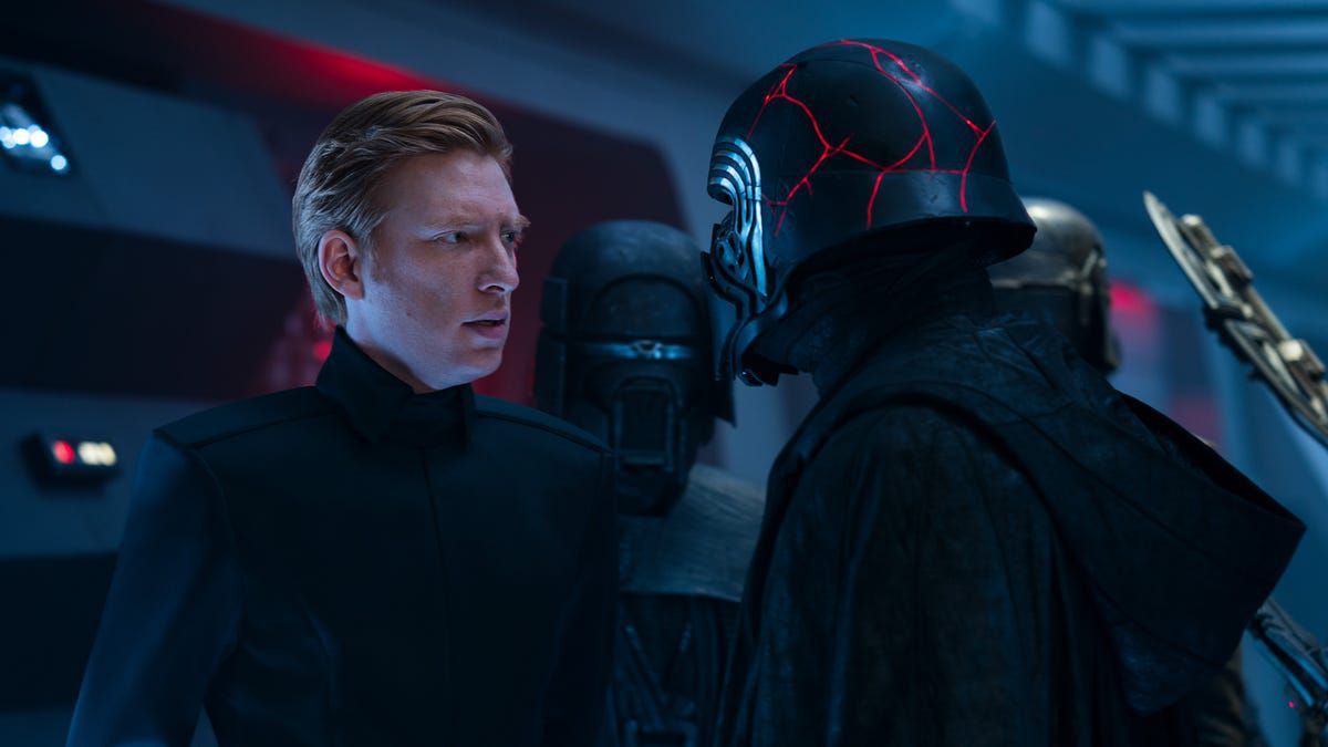 Hux and Kylo Ren face off