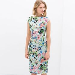 "Boat Neck Printed Dress, <a href=""http://www.zara.com/us/en/woman/dresses/boat-neck-printed-dress-c358003p1924510.html"">Zara</a>, $99.90"