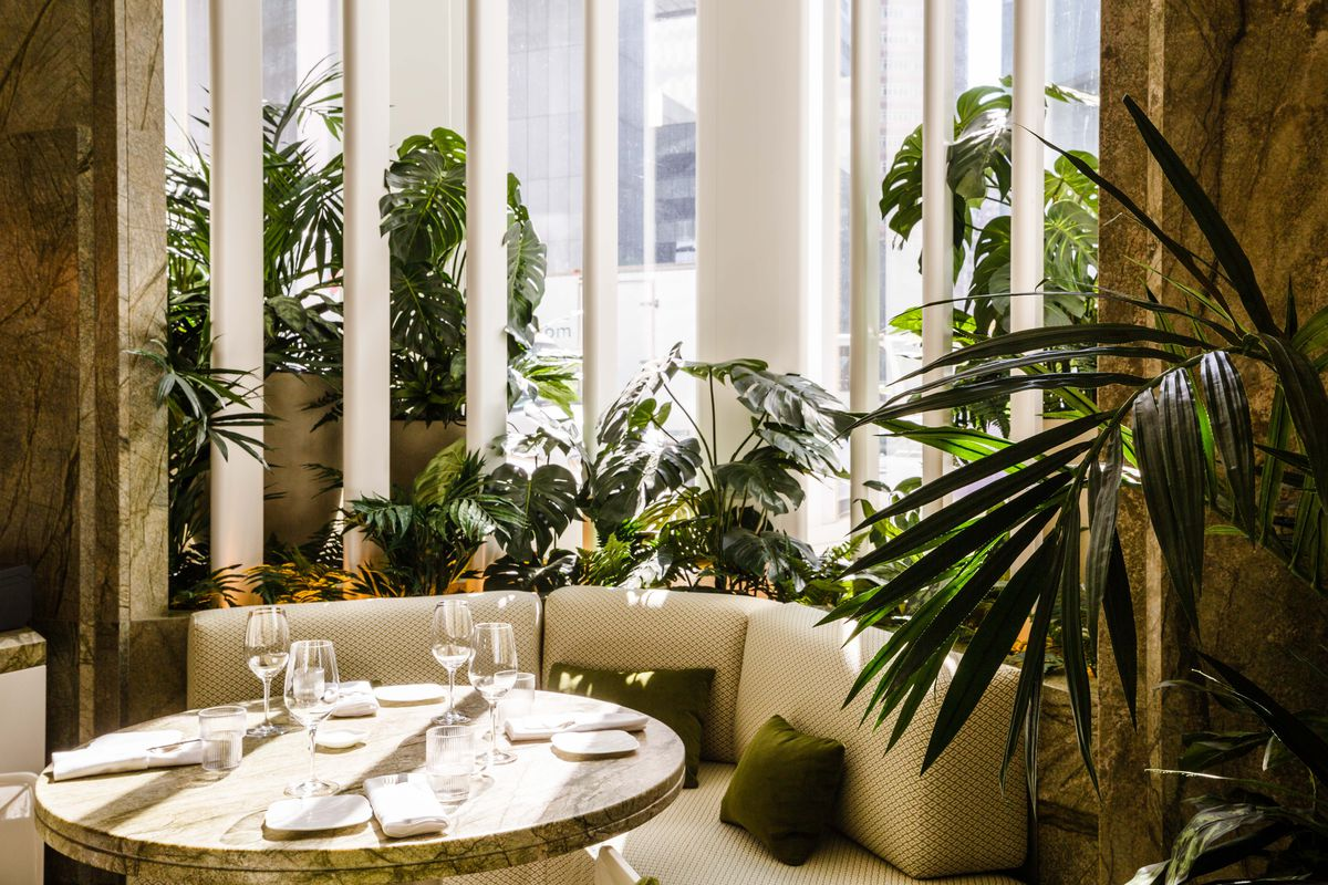 A sunny corner booth at Le Jardinier