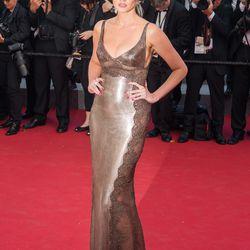 Lara Stone in Versace