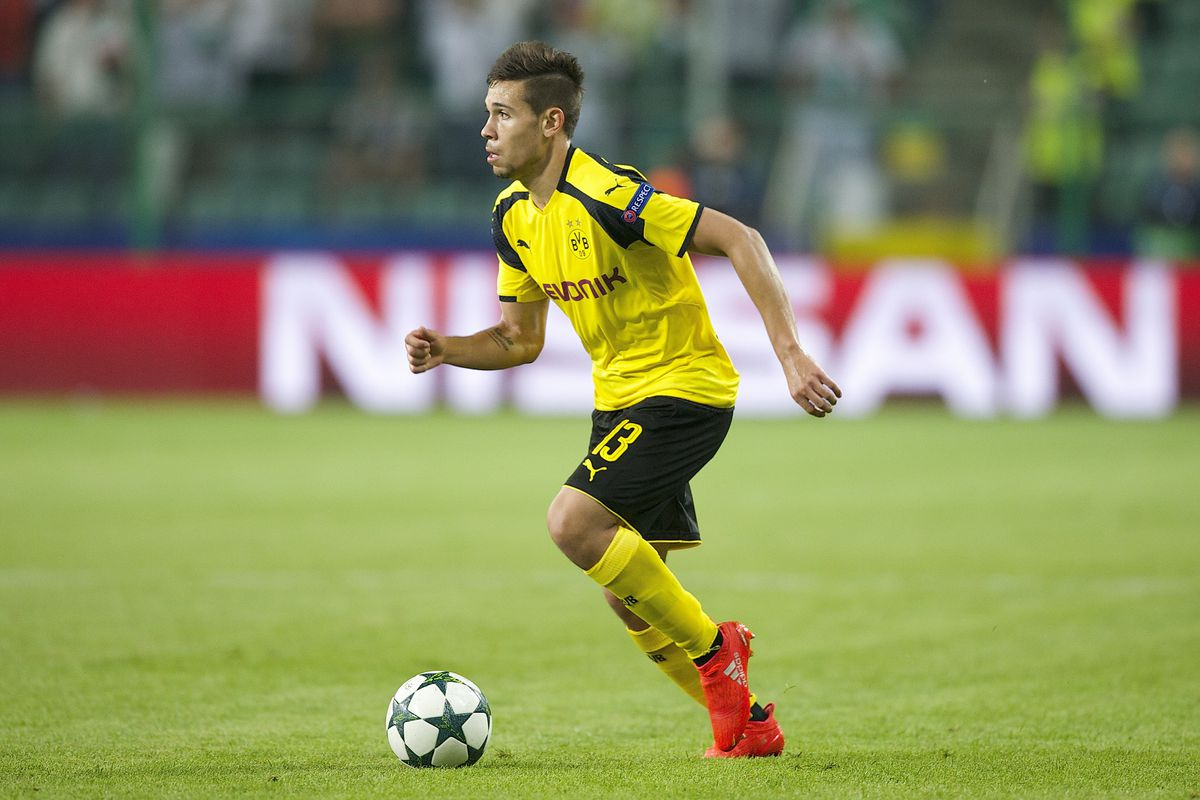 Rapha l Guerreiro scores an astonishing goal in Dortmund training
