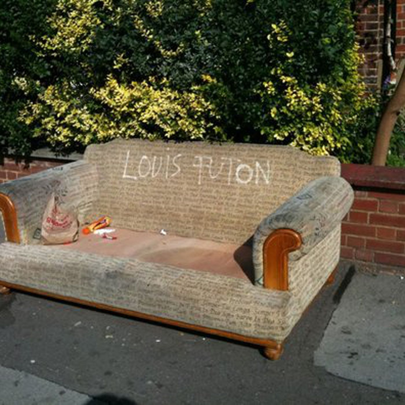 Louis Futon And More Photos From London