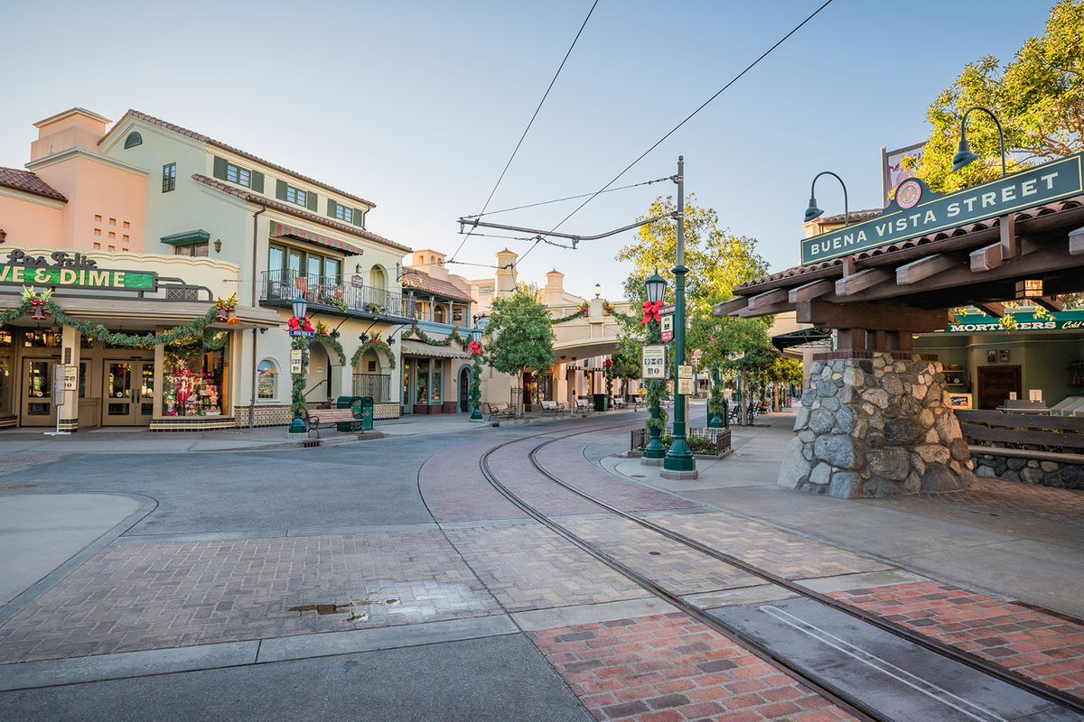 The Downtown Disney District at Disneyland Resort in California extends to Buena Vista Street, offering more dining and shopping experiences during the holidays. Outdoor dining has returned to Downtown Disney in Californai.