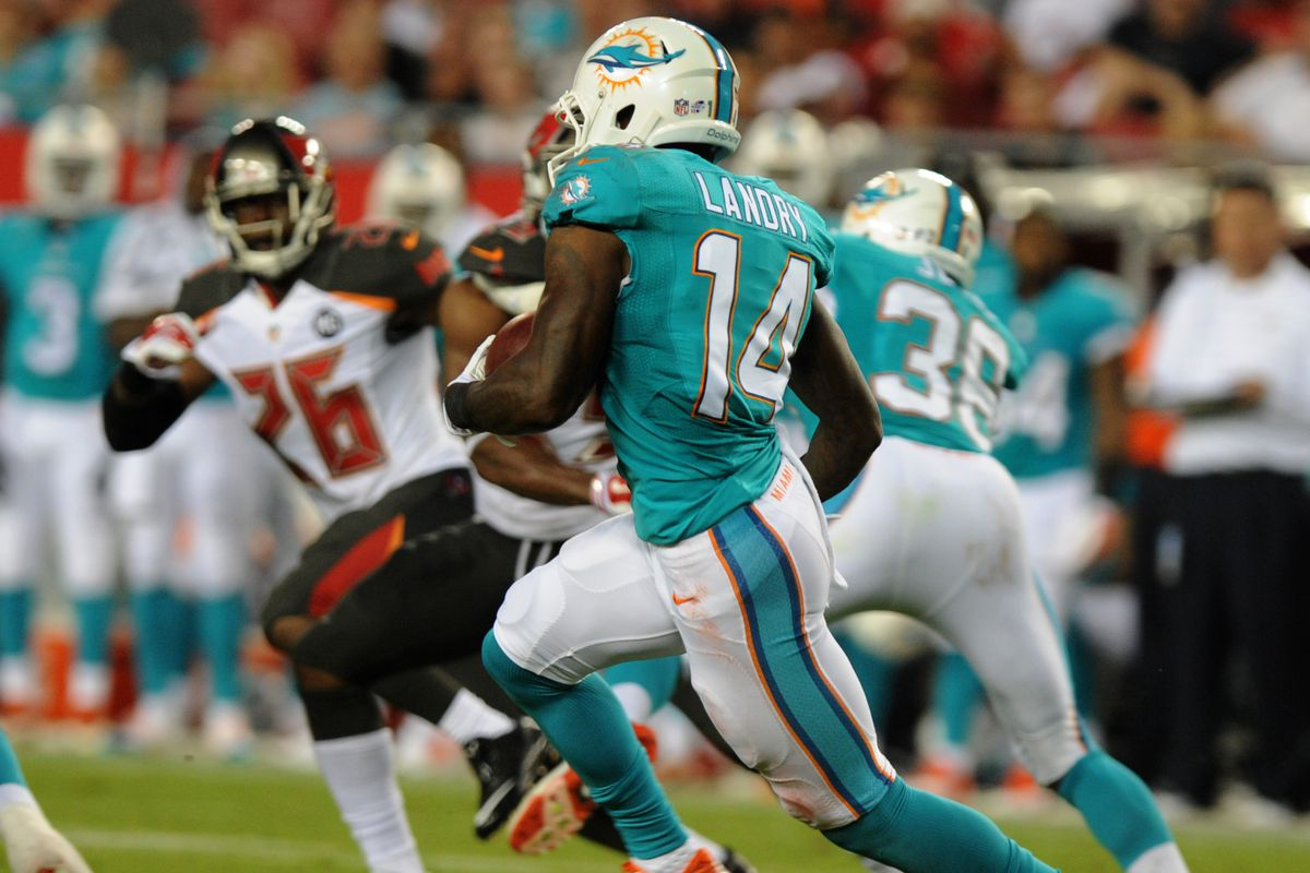 97d6c98da Dolphins vs Buccaneers  Breaking down Ryan Tannehill to Jarvis Landry for  26 yards