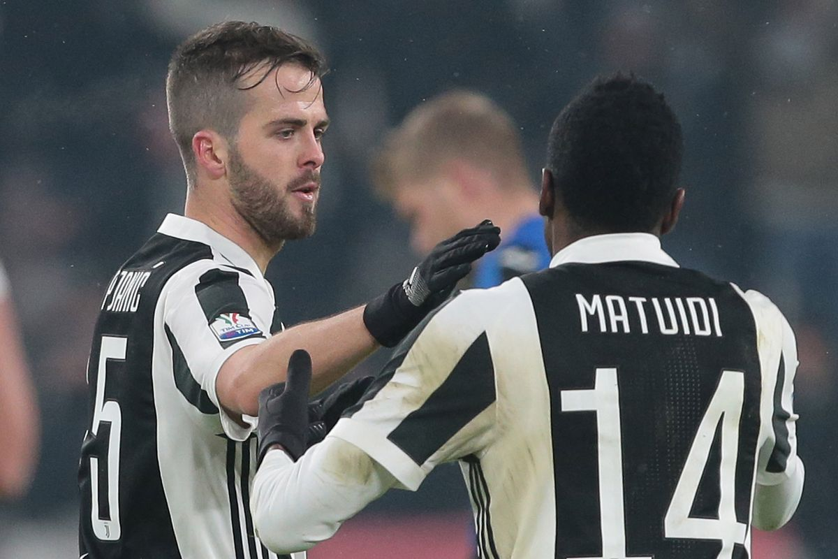 906deb759 Juventus 2017-18 Season Ratings  The Midfielders - Black   White ...