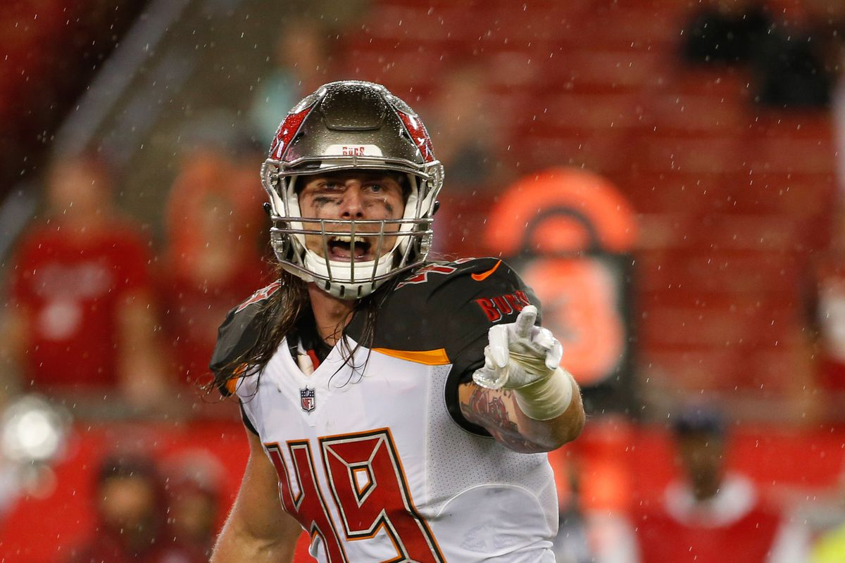 sale retailer c6193 797b3 Buccaneers promote LB Riley Bullough to the active roster ...