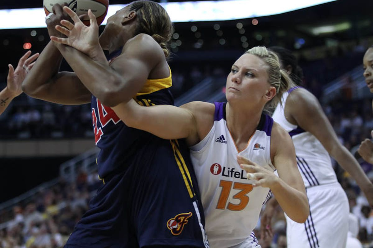 Penny Taylor's all-around game has been a big part of the Phoenix Mercury's current four-game winning streak. (Photo by Ryan Malone, SB Nation Arizona)