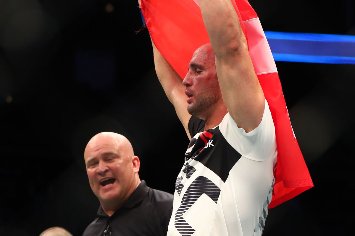 UFC Fight Night Stockholm Results: Alexander Gustafsson Crushes Glover Teixeira