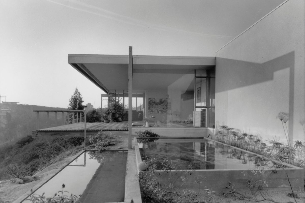 The chuey house was photographed by julius shulman in 1960 photos courtesy of j paul getty trust getty research institute los angeles 2004 r 10