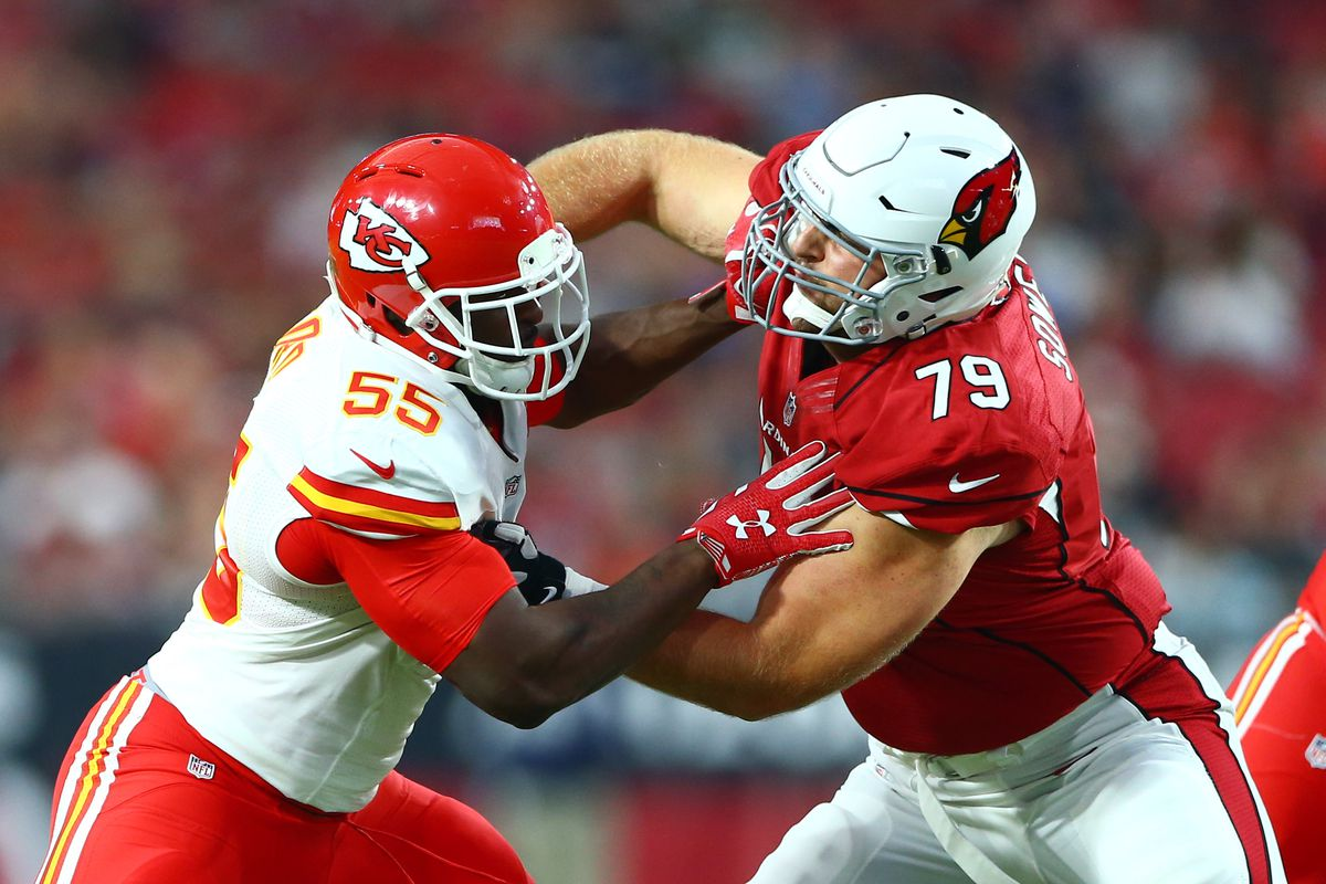 Chiefs Dee Ford did not break his rib will play vs Titans