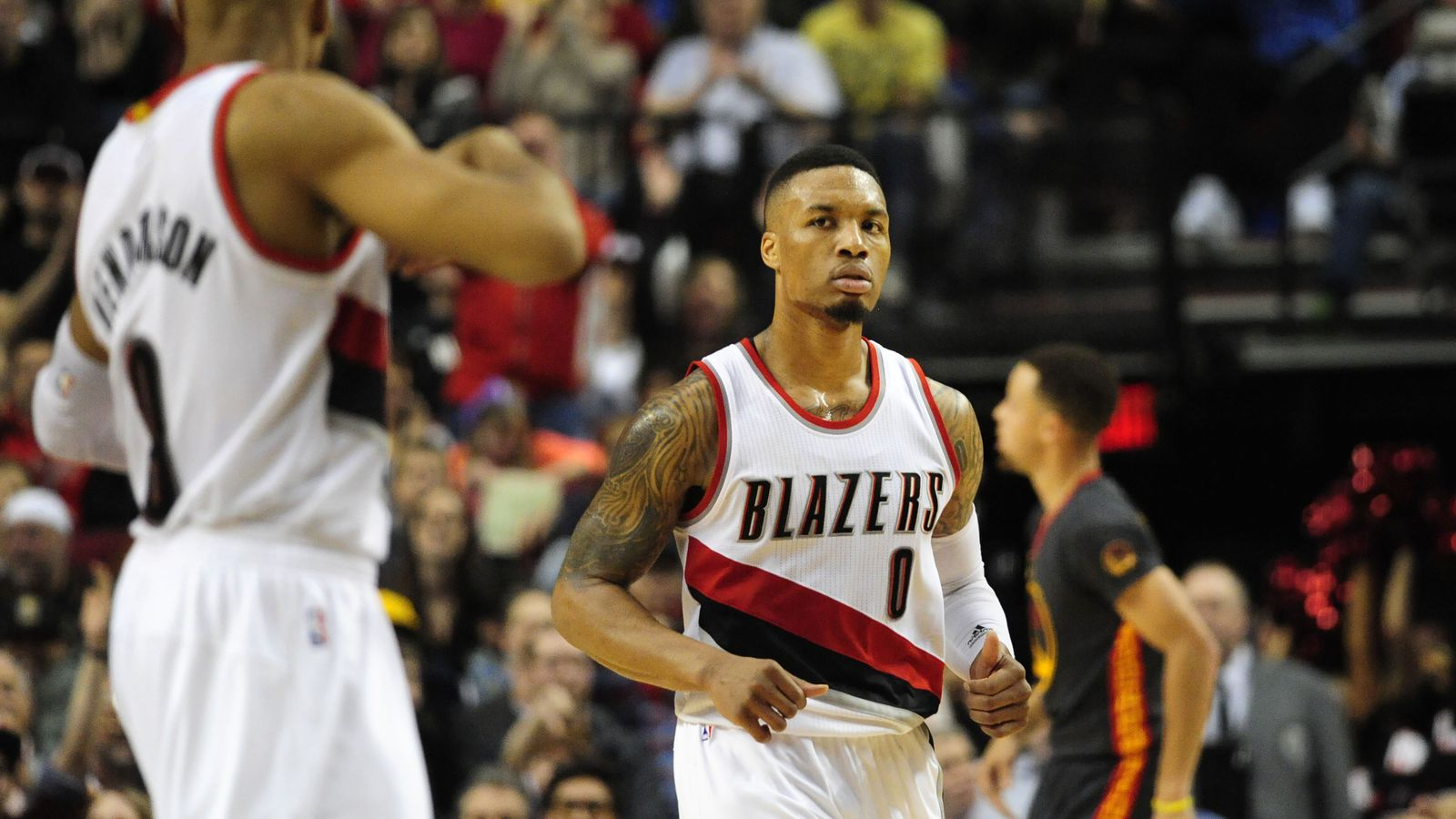 Damian Lillard Outduels Stephen Curry as Blazers Roll to 137 105
