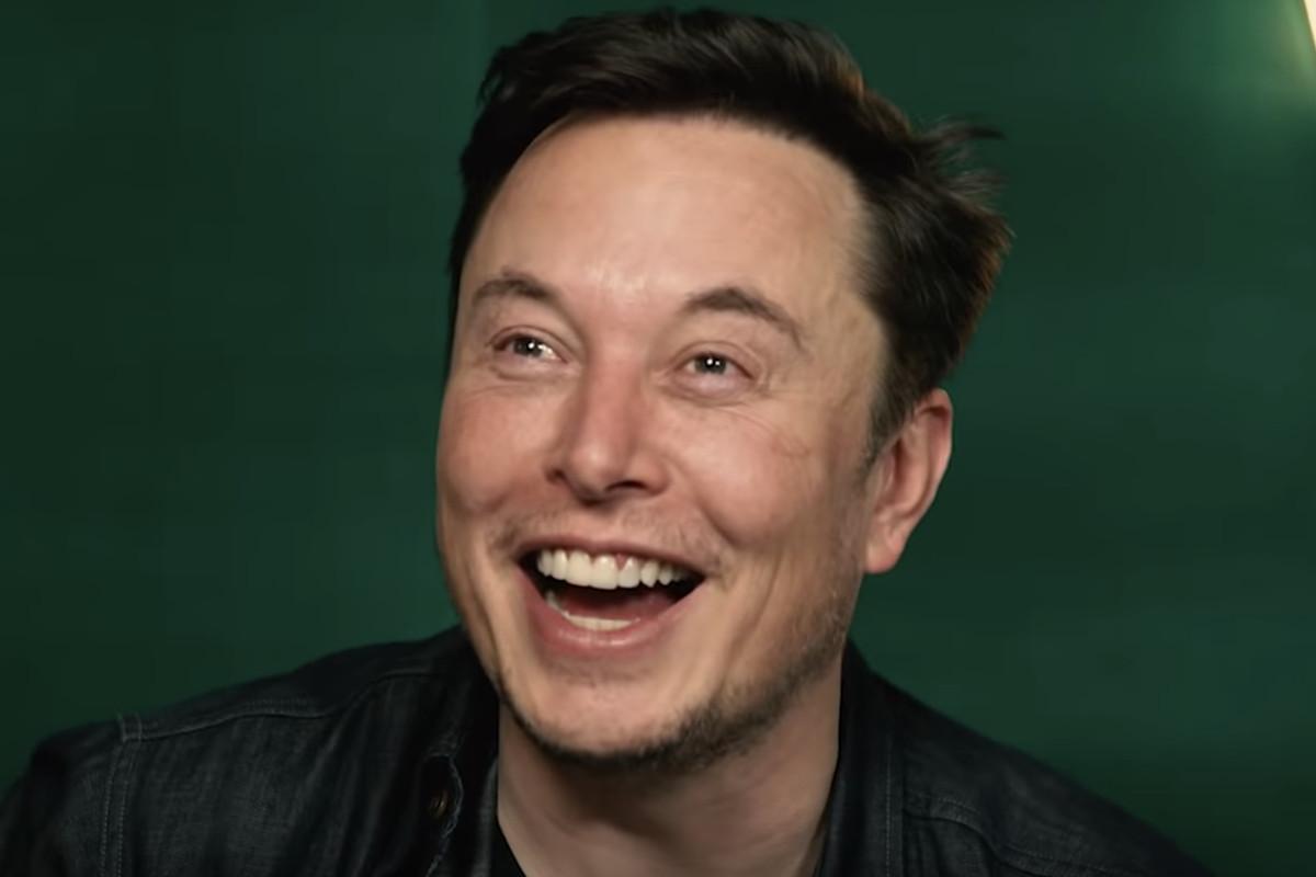 Elon Musk pokes fun at himself while hosting PewDiePie's ...