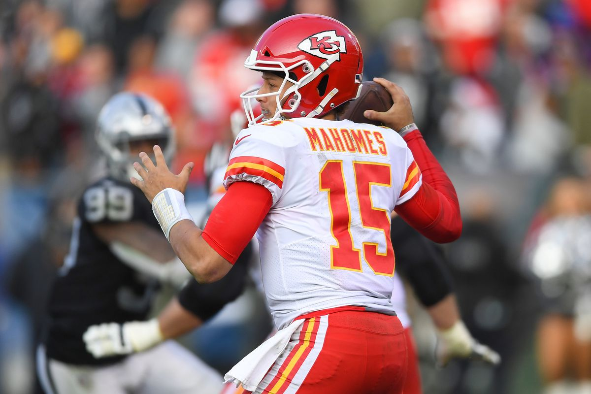 Chiefs at Raiders time, TV , odds, streaming, announcers and more