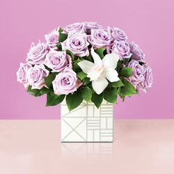 <strong>The Isabella & Christopher Bouquet:</strong> If the New World was filled with these flowers, we would conquer it for our queen too.