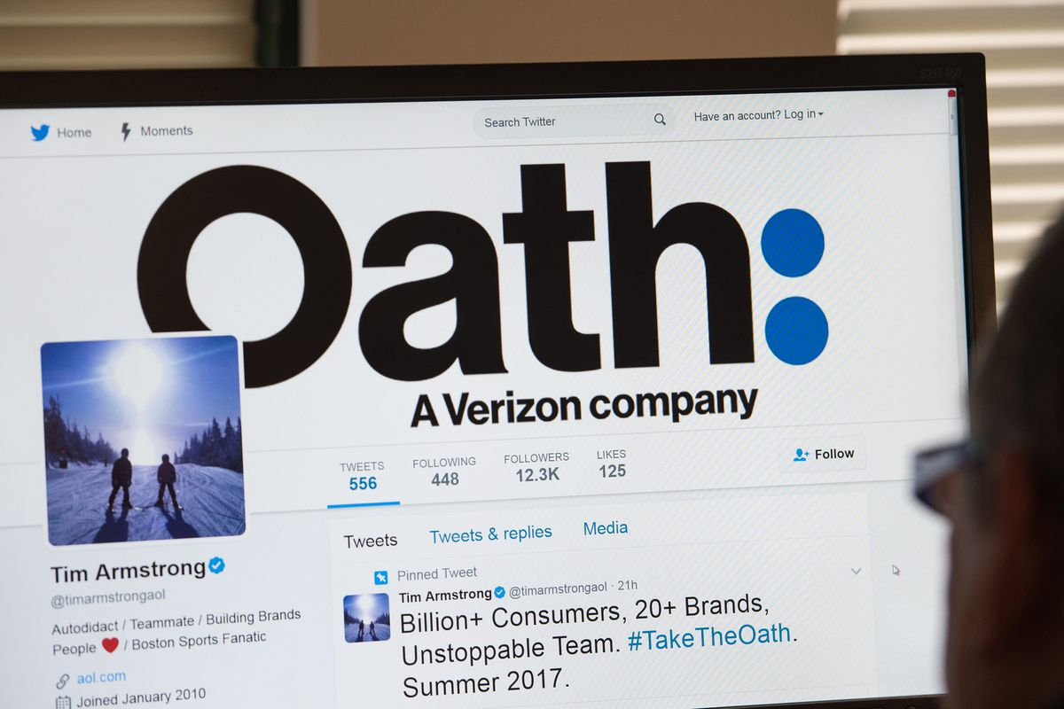 "A computer screen that shows ""Oath: A Verizon company"""