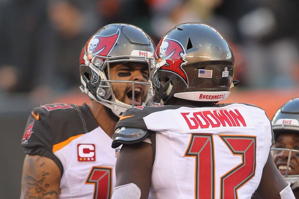Fantasy Football Start Sit Advice Week 10 What To Do With Mike Evans Chris Godwin Draftkings Nation