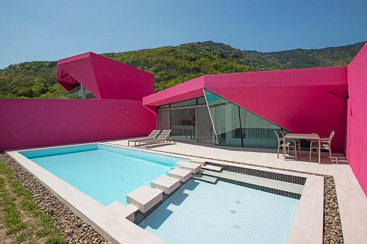 Hot Pink Pool Villas Burst Onto Mountain Scene Curbed